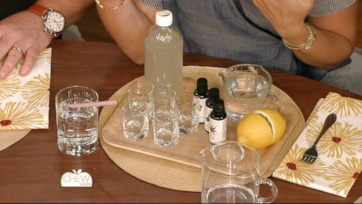 Homemade Mint & Honey Mouthwash
