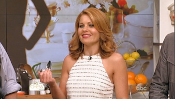 Candace Cameron Bure on the new Full House, Fuller House!