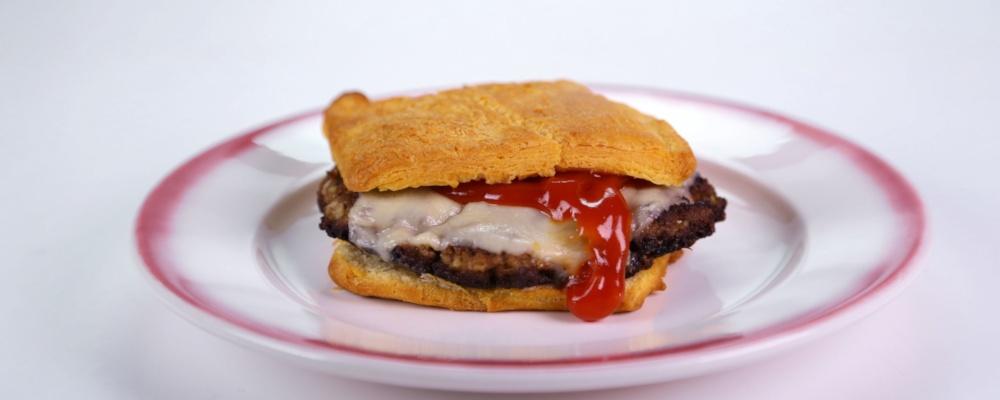 Aunt Kath\'s Kitchen\'s Meatloaf Burger