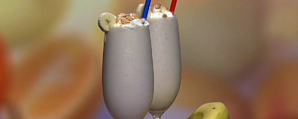 Carla Hall\'s Banana and Vanilla Wafer Shake