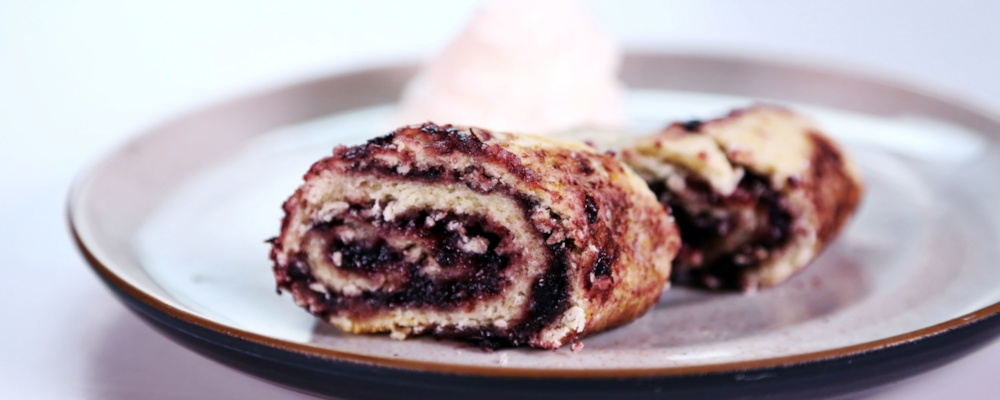 Blackberry Roly-Poly With Sliced-Lemon Sauce Recipes ...