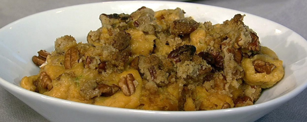 Carla Hall\'s Sweet Potato with Spiced Nut Crumble