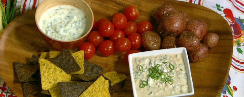 Clinton Kelly\'s Roasted New Potatoes and Herb Dip
