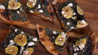 Daphne Oz\'s Easy Pizza Crust