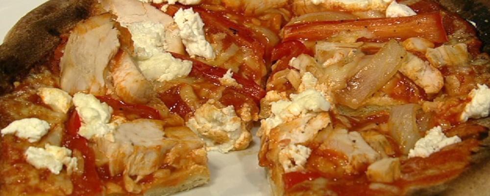 Daphne Oz\'s Fajita Chicken Pizza