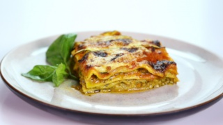 Daphne Oz\'s Light Sausage Lasagna