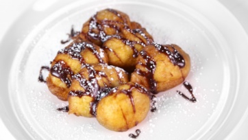 Fried Bananas with Chocolate-Hazelnut Sauce