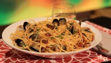 Linguine with Clams and Pancetta