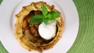 Lisa\'s Nannie\'s Apple Pie by Lisa Fontanesi