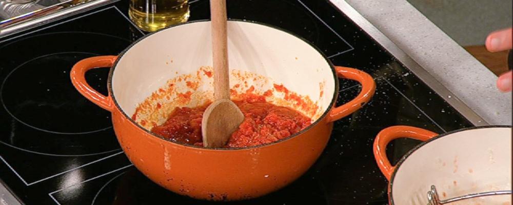 Marcella Hazan\'s Tomato Sauce