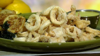 Mario Batali\'s Fried Calamari with Lemon Aioli