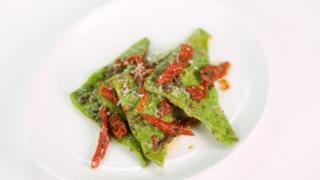 Mario Batali\'s Green Pasta Dough