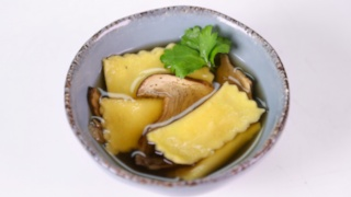 Mario Batali\'s Leek, Parsnip and Carrot Agnolotti in Brodo