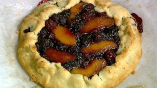 Mario Batali\'s Peach and Blackberry Crostata