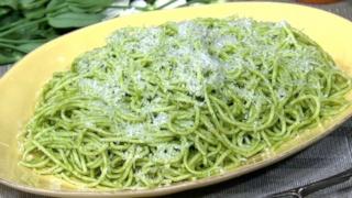 Mario Batali\'s Spaghetti with Green Tomatoes