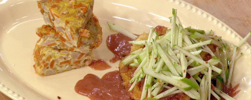 Mario Batali\'s Turkey Cutlets with Spanish Tortilla and an Apple Salad