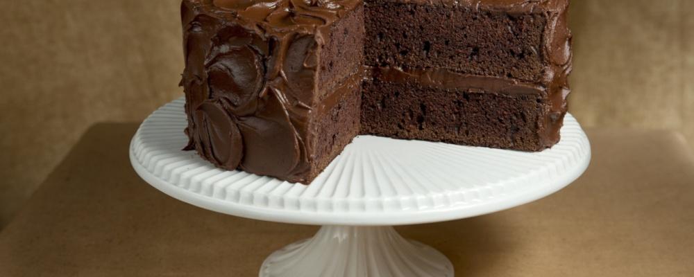 Mario Hero Makeover: Hellmann\'s Chocolate Birthday Cake