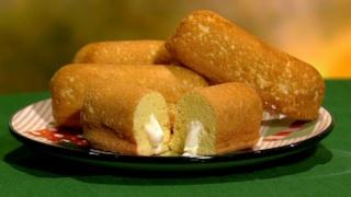 Michael Symon\'s Homemade Twinkies