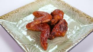 Michael Symon\'s Korean Style Chicken Wings