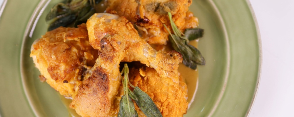 Michael Symon\'s Midwestern Fried Chicken