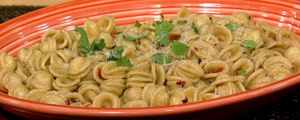 Michael Symon\'s Orecchiette with Chiles and Garlic