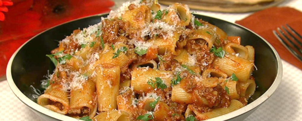 Fresh Rigatoni With Bolognese Sauce Recipes — Dishmaps