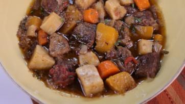 Slow Cooked Beef & Vegetable Stew