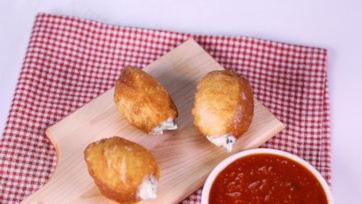 Swiss Chard & Ricotta Pizza Poppers