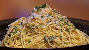 Angel Hair with Olive Oil, Garlic and Chili Flake