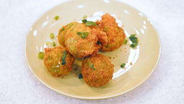Potato and Pea Fritters with Yogurt Sauce