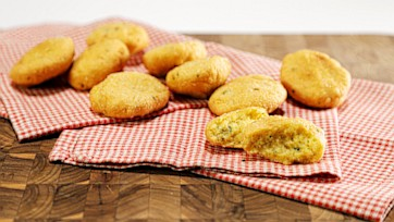 Tyra\'s Great Grandmother\'s Biscuits