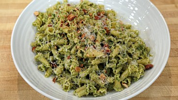 Kate???s Kale & Almond Pesto