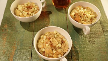 Apple Cinnamon Bread Pudding in a Mug