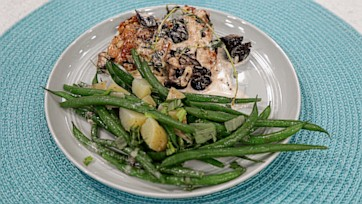 Proven??al Chicken with Olives, Green Beans & Potatoes
