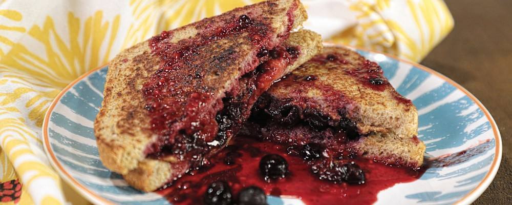Healthyish Berry and Almond Butter-Stuffed French Toast Recipe by ...