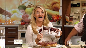 Daphne Oz is Pregnant
